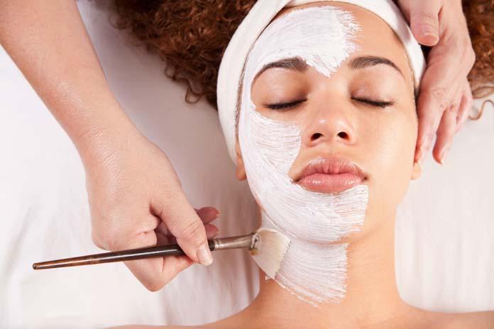 limpeza de pele com argila branca