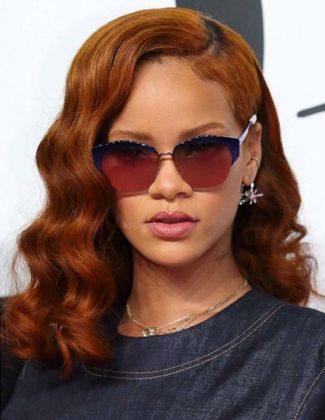 Rihanna ruiva